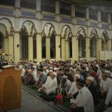 Ustad Yusuf Mansyur memberikan ceramah setelah salat subuh berjamaah di Masjid Jamik Kampus Kopelma Darussalam